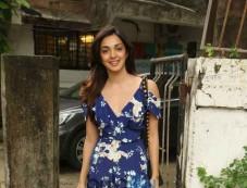 Kiara Ali Advani Spotted At Salon In Juhu Photos