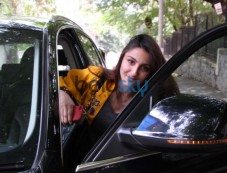 Photos of Soha Ali Khan Spotted At Hakilm Alam Studio. Photos