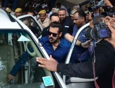 Salman Khan at Jodhpur Court Bail Bond Photos