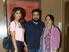 Shilpa Shetty Along With Family Spotted At Juhu PVR Photos