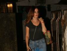 Sussanne Khan And Ramesh Taurani Spotted At Bandra Photos