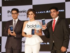 Taapsee Pannu Mobile Launch Photos
