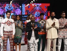 Vidyut Jamwal And Ali Fazal At Lakme Fashion Week Photos