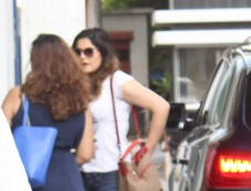 Zareen Khan Spotted At Vikram Bhat Office. Photos