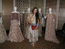 Kriti Kharbanda,Padmini Kolhapure And Other Celebs At Payal Singhal's New Collection Photos