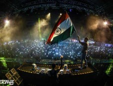 Chainsmokers Performed in Greater Noida Photos