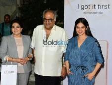 Sridevi Launched The Iphone 8 & Iphone 8+ At Iazure Mumbai Photos