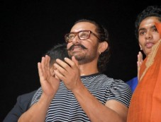 Aamir Khan Attends Navratri Pooja In Vadodara Photos