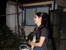 Aditya Roy Kapoor And Chunky Pandey Daughter Ananya Pandey Spotted At Bandra Photos
