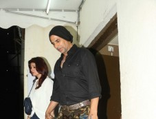 Akshay Kumar With Wife Twinkle khanna Spotted At Juhu PVR Mumbai Photos