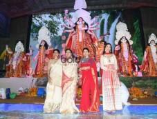 Rani Mukerji, Imtiaz Ali, Ranbir Kapoor, Alia Bhatt And Others At North Bombay Sarbojanin Durga Puja Photos