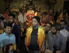 Ronaldinho At Siddhivinayak Temple Photos