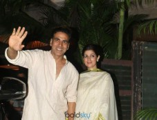 Akshay Kumar With Wife Twinkle Khanna And Others Spotted At KK House For Diwali Party Photos