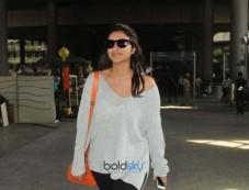 Celebs Spotted At Mumbai Airport Photos