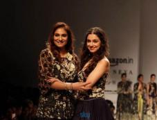 Charu Parashar Show And Divya Khosla Kumar Showstopper At Amazon India Fashion Week In New Delhi Photos
