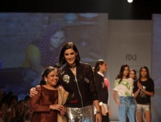 Designer Unleashed Show, Nargis Fakhri Walked The Ramp At Amazon India Fashion Week, In New Delhi Photos
