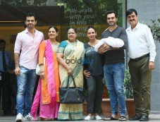 Esha Deol And Bharat Takhtani Blessed With A Baby Girl Photos