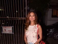 Esha Gupta Spotted At SPA Photos