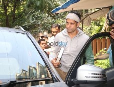 Farhan Akhtar Spotted At B Blunt Salon Photos