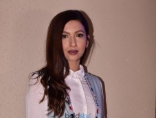 Gauhar Khan At Redwingz Fashion Fervent 2017 Photos