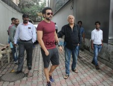 Pooja Bhatt,Diljit Dosanjh,Emraan Hashmi And Mahesh Bhatt Spotted At Vishesh Films Office Photos