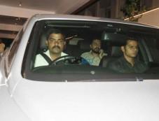 Ritesh Deshmukh Spotted At Vashu Bhagnani's House Photos
