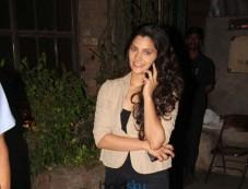 Saiyami Kher Spotted At Pallivillege Cafe Photos