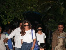 Shilpa Shetty With Family Spotted At Outside Of Hotel Photos