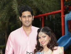 Tulsi Kumar Celebrated Karvachauth With Husband Hitesh Ralhan In New Delhi Photos