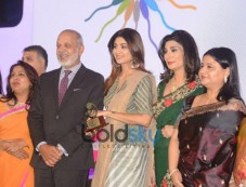 Shilpa Shetty At The Press Conference Of Manyata Photos