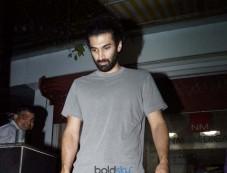 Aditya Roy Kapur Spotted At Bandra Photos