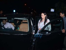 Alia Bhatt Mom Spotted At Yauatcha BKC Bandra Photos