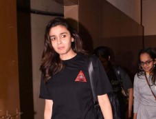 Alia Bhatt Spotted At Juhu PVR Photos
