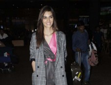 Kriti Sanon Spotted At Airport Photos