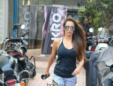 Malaika Arora Spotted At Bandra Photos