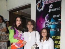 Neetu Kapoor Spotted At PVR Juhu Photos