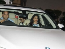 Shah Rukh Khan With Family Snapped At Airport Photos
