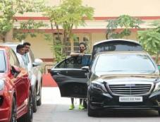 Shahid Kapoor Spotted At Bandra Photos
