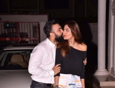 Shilpa Shetty And Raj Kundra Snapped On Their Anniversary Photos