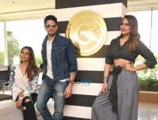 Sidharth Malhotra And Sonakshi Sinha At Gauri Khan Store Photos