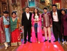 The Drama Company Episode With Anu Malik, Raveena Tandon & Altaf Raja Photos
