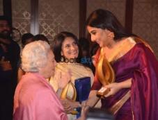 Vidya Balan At 'Women Of Worth Awards 2017' Photos