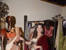 Aarti Chhabria And Tanishaa Mukerji At The Jhelum Store Photos