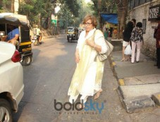 Helen Spotted At Korner House In Bandra Photos
