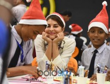 Jacqueline Fernandez Celebrates Christmas With RPG Foundation Kids 'Pehlay Akshar' Photos