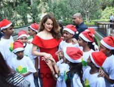Kangana Ranaut Christmas Celebration With Smile Foundation Kids Photos