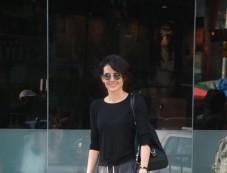 Mandana Karimi Spotted At Bandra Photos