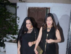 Neetu Singh Spotted At PVR Juhu With Her Friends Photos
