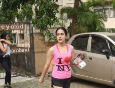 Sara Ali Khan Spotted At Gym In Bandra Photos