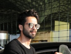 Shahid Kapoor Spotted At Airport Photos